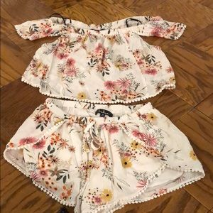 Lulu's crop tip and shorts set size M new w/o tags
